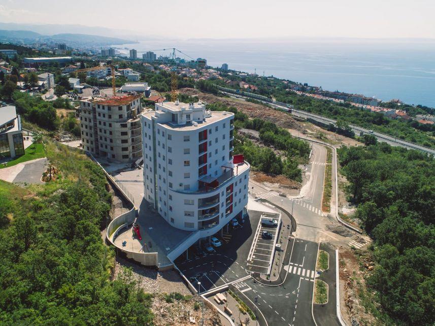 Rijeka, Martinkovac, Stambeno poslovni Toranj B